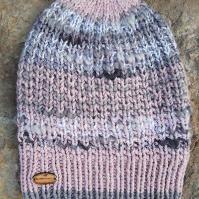 Madebymom kootud müts halli ääretriibuga roosa-hallikirju fresh.ee